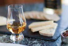 Uống whisky ăn gì